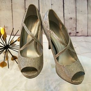 ADRIANNA PAPELL Boutique  HEELS